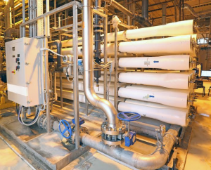 Osmose Reversa é um dos sistemas mais avançados do mundo em termos de limpeza da água. A estação de Osmose Reversa do Grupo Fusatié composta por membranas que funcionam como uma barreira física aos sais e moléculas orgânicas e inorgânicas existentes na água.