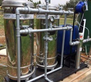 Dosadores automáticos são equipamentos programados para dosagem contínua de produtos, dentre os quais podemos citar: hipoclorito de sódio (cloro), alcalinizantes para correção de pH (soda cáustica, hidróxido de cálcio, carbonato e bicarbonato de sódio, etc.), entre outros.